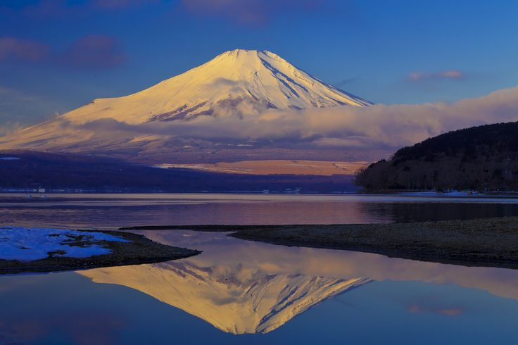 富士山(Mt. Fuji)山中湖から見た朝日に染まる富士山【絶景NIPPON】2013年6月に世界文化遺産に登録。#富士山 #MtFuji