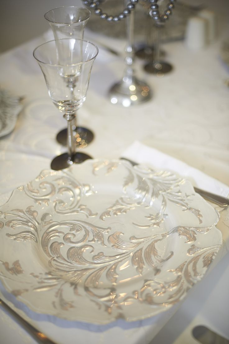 Silver Leaf Plate with Silver Stem Glasses.