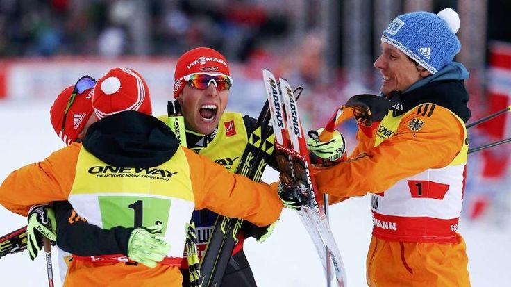 Mega-Erfolg für DE in der Nordischen Kombi: 1. WM-Gold seit 28 J. - Johannes Ryzdek hat sogar noch die Zeit sich auf der Zielgeraden die dt. Flagge zu schnappen. Es ist vollbracht+der Fluch, der 27 Jahre anhielt, gebrochen. DE hat die Goldmedaille im Teambewerb der Nordischen Kombinierer, nachdem es so oft nur Silber gab! http://wintersport.bild.de/#sp47,se15998,to676,ro49069,ge1,gel3,ma2280362…