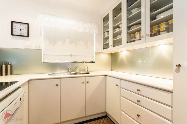 Visste du at du både kan få romsleg plass på kjøkkenet, gode råvarer og spare lommeboka? Sjå Grønare kvardag's tips og transformer kjøkkenet ditt om til eit søppelfritt kjøkken.
