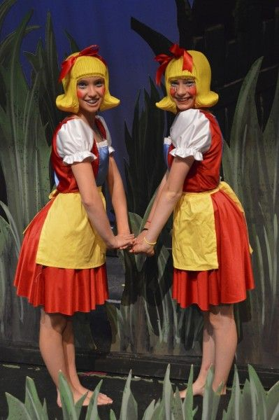 Duloc girls - like the aprons with the skirts