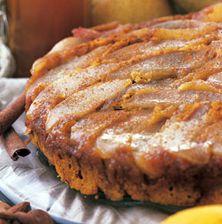Το αχλάδι στην καλύτερη εκδοχή του, σε ένα ζουμερό κέικ με το μεθυστικό άρωμα του μελιού και των μπαχαρικών