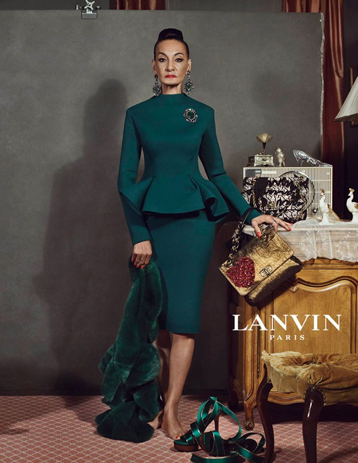 this 2012 Lanvin ad is incredibly inspiring, the minute I saw it I paused at length. Love.