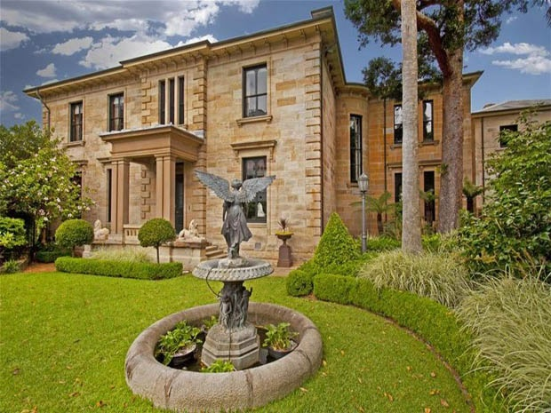 Sandstone mansion Bomera was built in 1856 for colonial merchant William McQuade. Potts Point, Sydney