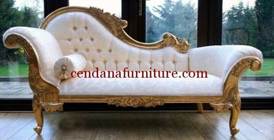 Kursi Sofa Malas Mawar terbuat kayu mahoni yang kami sempurnakan dengan finishing gold yang mewah dengan kobinasi kain jok bermotif yang cantik.