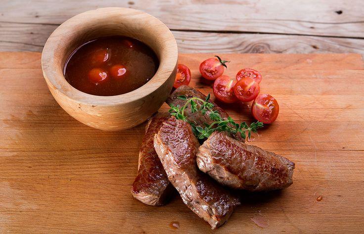 Κόντρα μπριζόλα μοσχαρίσια με σπιτική σάλτσα bbq