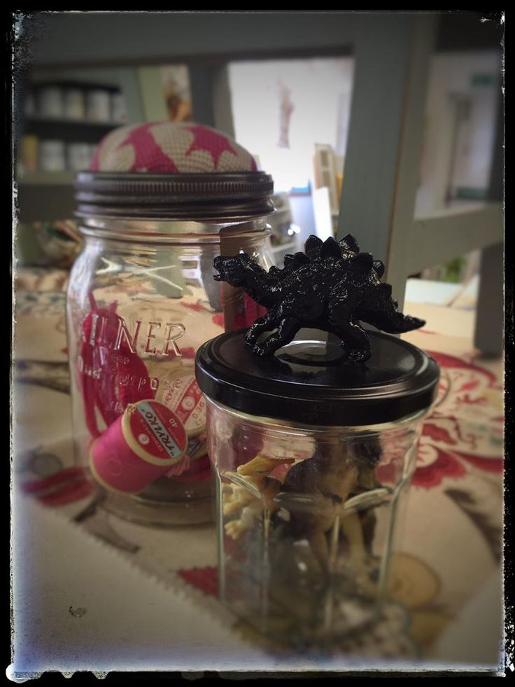 Gr8 #upcycled finds at @ThamesHospCare's Home Studio #pincushion #revamp