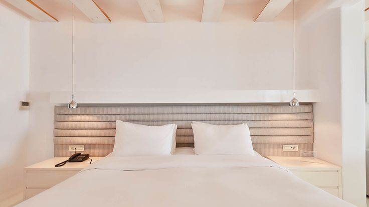 Deluxe Suites – Bill & Coo Boutique Hotel