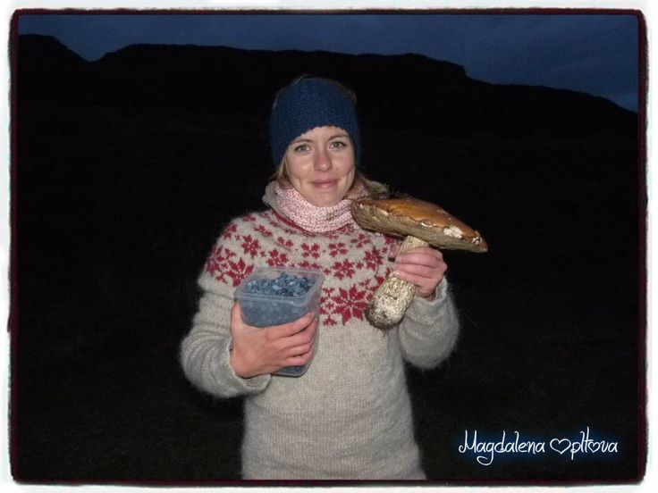 knitted sweater in Iceland - my first