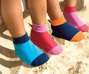 9 Ways to Protect Baby from the Sun: Watch the Feet