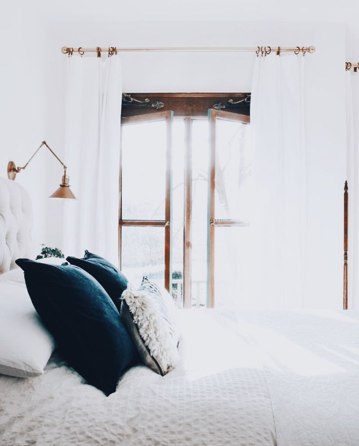 27 Minimalist Bedroom Ideas To Inspire You To Declutter: Best 25+ Minimalist Bedroom Ideas On Pinterest