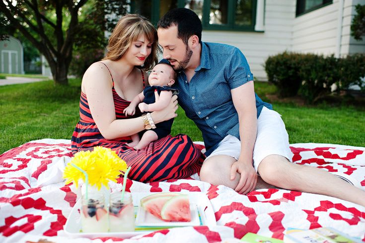 sweet outdoor family session Photo By Kortnee Kate Photography