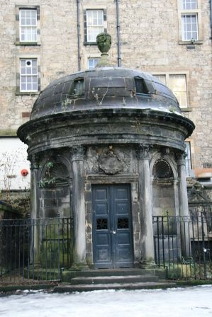 The Haunted Mackenzie Vault in Greyfriars Kirkyard, Edinburgh. Great link with this picture.