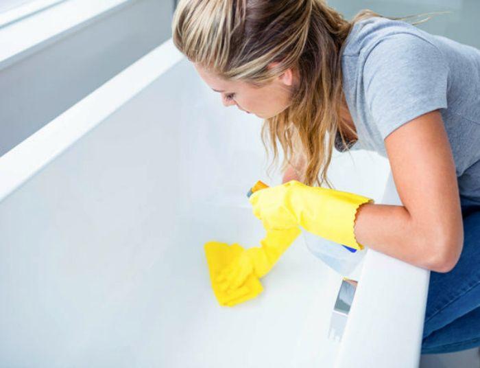Уксус для мытья и дезинфекции ванной.