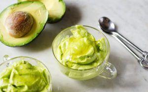 Fibrele din linte și grăsimile mononesaturate din măsline și uleiul de măsline ajută la scăderea colesterolului și a tensiunii arteriale.