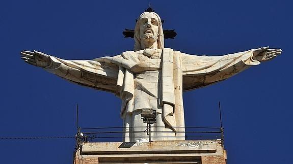 Imagen del Cristo de Monteagudo. Deze mag van het hooggerechtshof in Madrid blijven staan. Wie weleens in Murcia is geweest, heeft hem gezien.