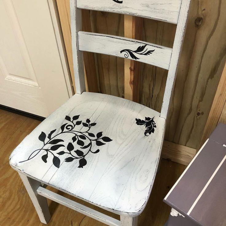 Cute farmhouse style chair new in the shop today
