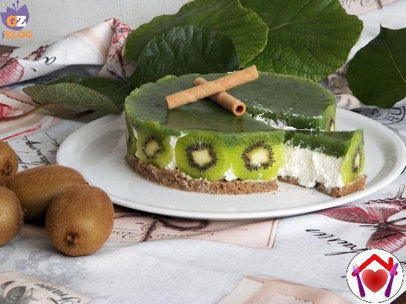 Cheesecake al Kiwi - #Lovuoiquelkiwi?! è diventato un tormentone!! Le piante del nostro orto ne sono piene, dovremo pur usarli questi deliziosi frutti... cheesecake al kiwi.
