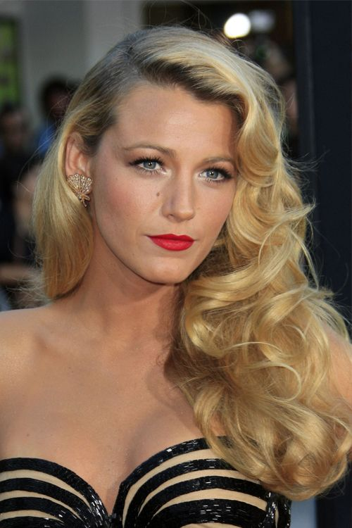 Blake Lively (beautiful AND married to Ryan Reynolds!)