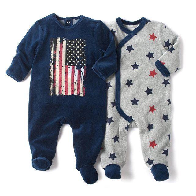 Pyjama à pieds en velours (lot de 2) R baby : prix, avis & notation, livraison. Pyjama à pieds en velours 75% coton, 25% polyester. Vendu par lot de 2 : 1 imprimé étoiles et ouvertures devant et entrejambe pressionnées + 1 imprimé ''drapeau américain'' et ouvertures pont et dos pressionnées. Pieds antidérapants à partir de 12 mois (74 cm), élastiqués au dos pour un meilleur maintien.