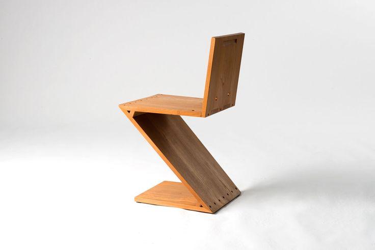 Zig-Zag chair by Gerrit Rietveld
