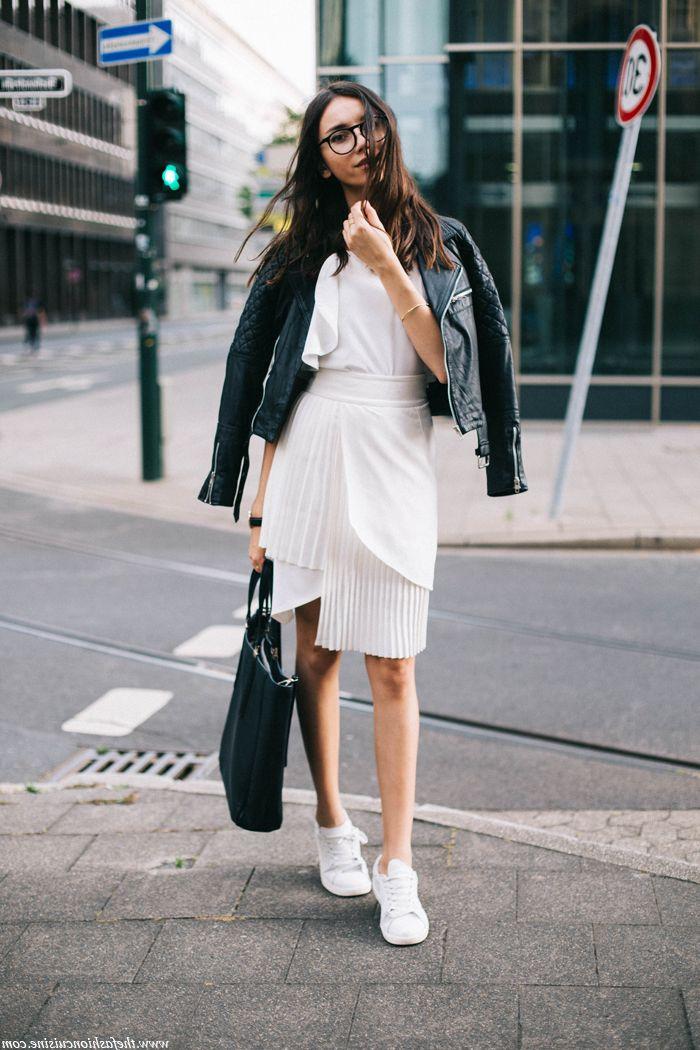 ▷ 1001 + photos de tenue avec basket pour s habiller bien aujourd hui et  demain   Mode femme   Pinterest a6cf5b40eacc