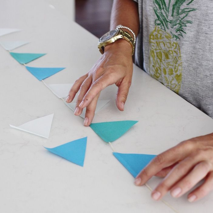 Party Planning tips for a great BFF Summer Solstice Party from @JillianMHarris! #Postitideas