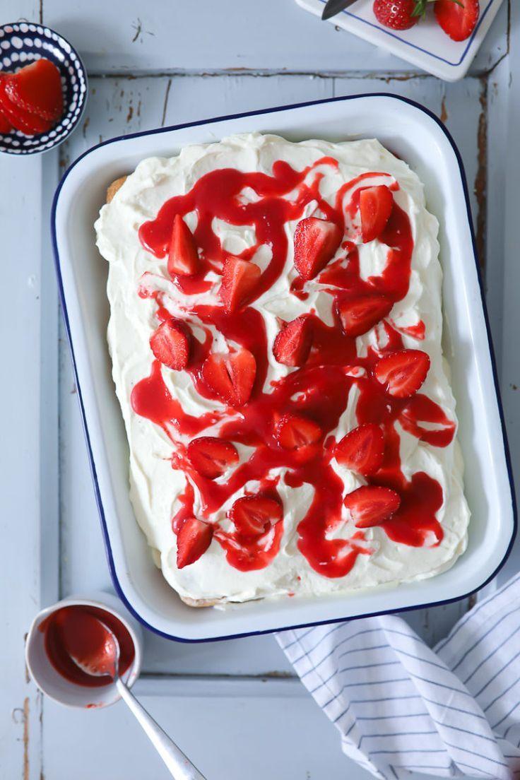 Tiramisu aux fraises, crème mascarpone vanille et biscuits à la cuillère