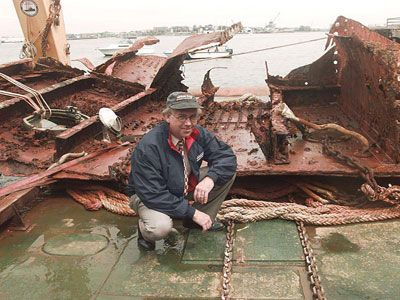 Titanic Underwater Bodies | RMS Titanic, Inc., general counsel Allan Carlin poses with a 20-ton ...
