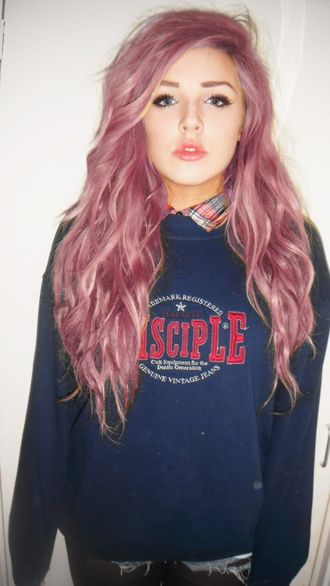 sweater pink hair pink hair girl grunge punk rock punk rock grunge punk hipster hipster punk tumblr blue blu sweatshirt blouse sotto under beautiful beautiful girl tumblr girl lips perfect sky ferreira red lipstick pastel hair shirt blue shirt navy disciple