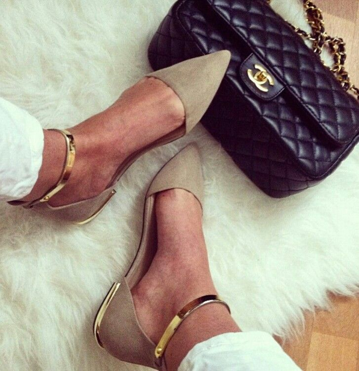 Beige and gold #chanelbag