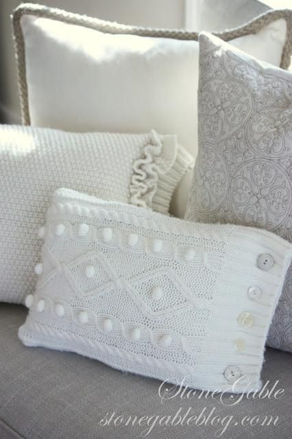 DIY SWEATERS : DIY SWEATER PILLOW TUTORIAL: