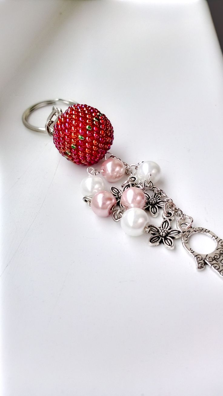 Keychain with beaded bead. I love these colors :) It was a gift ofc, but I am going to bead one (or more) to myself :)