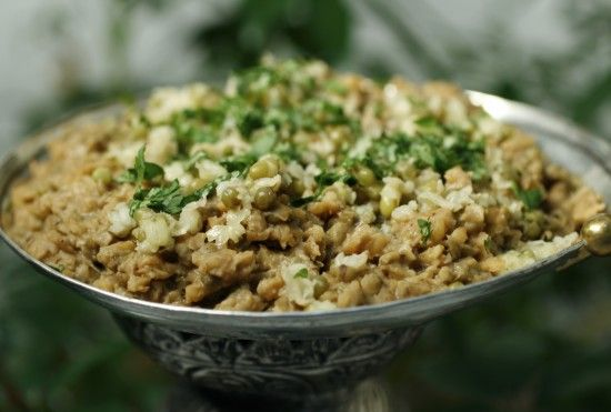 I was intrigued by this recipe. There are several dishes featuring mung beans in Chef Ramzi's The Culinary Heritage of Lebanon. All the mung beans recipes are from the North, near Tripoli.This on...