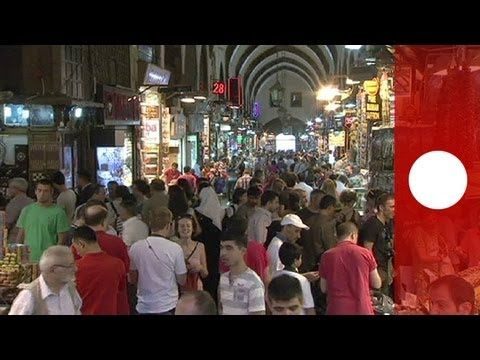 Ramadan ends as the Muslim world prepares for Eid Sweet makers in Istanbul are preparing for boom time. It is the Sugar Festival, a name in Turkey.