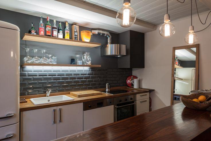 mattonelle bianche bombate cucina - Cerca con Google   Restoration ...