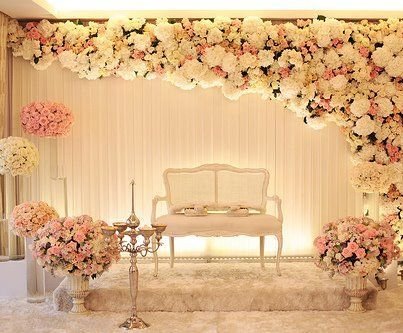 Seriously classy look for the stage on your Reception