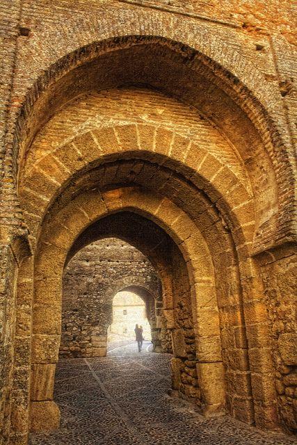 Alcázar de Arriba. Acceso al patio de armas. Carmona.