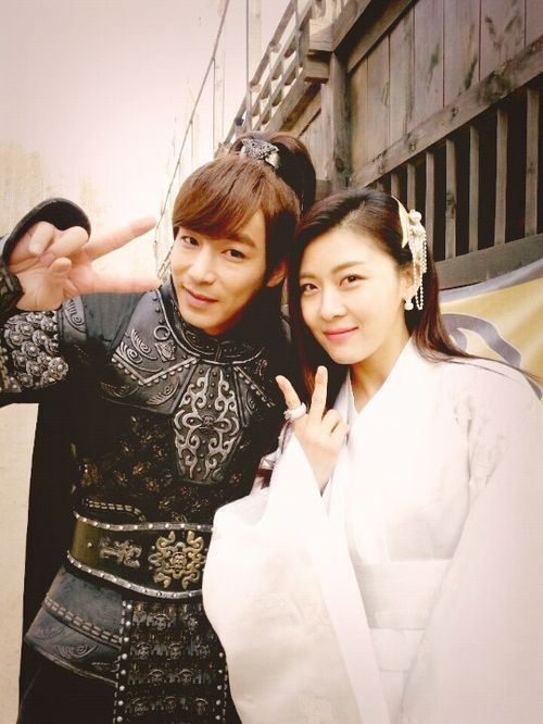 Ha Ji Won and Jin Yi Han Are Friendly off the Drama Set of Empress Ki - Soompi