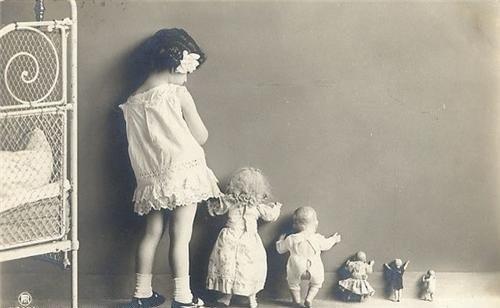 Retro Photos, Little Girls, Vintage Labels, Vintage Photos, Growing Up, Vintage Stuff, Old Pictures, Vintage Girls, Funny Kids