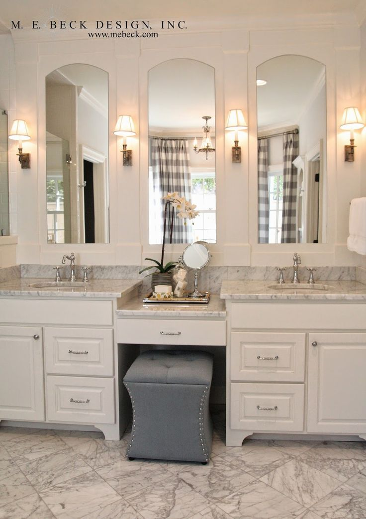 double sink with vanity in middle. i love the cosmetics area \u0026 stow away seat in middle of this bathroom vanity although if it were mine think i\u0027d prefer to have mirror be \u2026 double sink with s