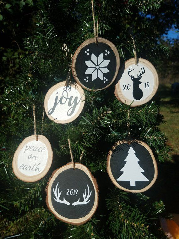 Wood Slice Christmas Ornaments Set Of 6 Real Wood Rustic Ornaments Farmhouse Country Christmas 3 3 5 Size Hand Painted Vinyl Chalkboard Christmas Ornament Sets Christmas Ornaments Gifts Christmas Ornaments