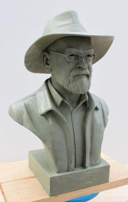 Sir Terry Pratchett Memorial Bust ©Paul Kidby #TerryPratchett #Speakhisname #PaulKidby