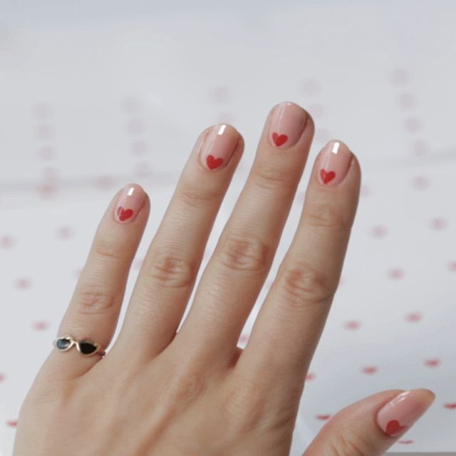 Learn how to create a sweet Valentines Day nail look
