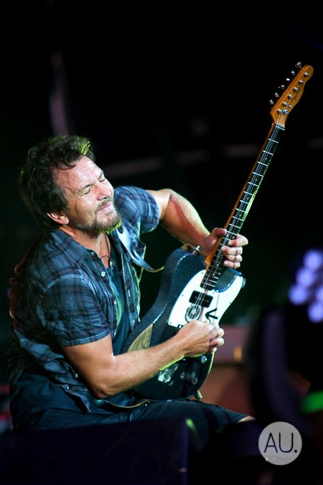 256 best images about Pearl Jam on Pinterest : Pearl jam, Temple of the dog and Pearls