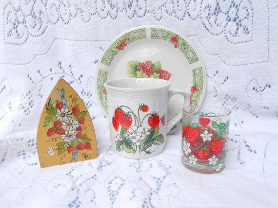 Strawberry decor ooak charming strawberry kitchen decor - Strawberry kitchen decorations ...