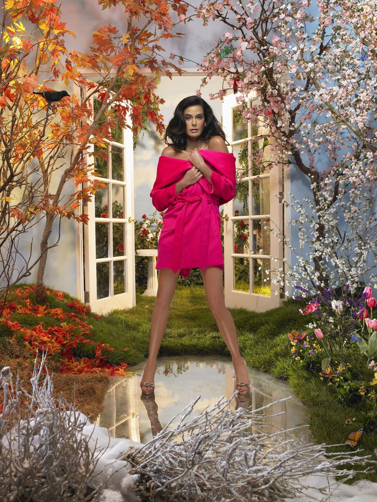Teri Hatcher ~ Desperate Housewives ~ Season 4 ~ Publicity Still (2007) #amusementphile
