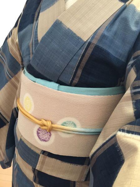良く着るお気に入りの紬。ブルー系でうまくまとまって嬉しいコーデになりました♪帯は藤井絞さんの名古屋帯を合わせました。帯揚げ、帯締めは和小物さくらさんです。...