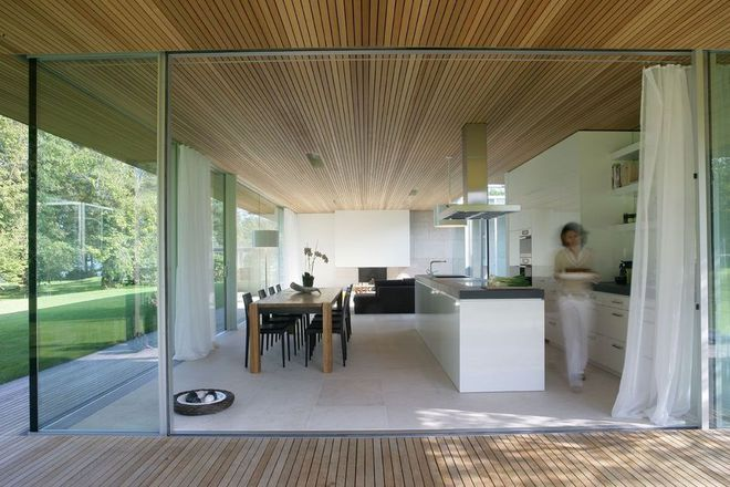 Une cuisine ouverte spacieuse