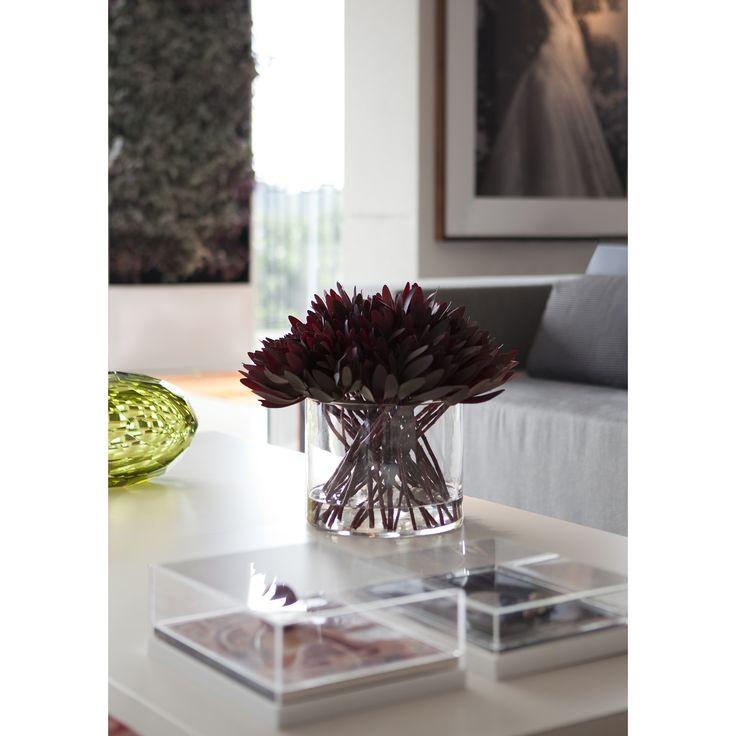Living, sala de estar, livingroom, detalhes, details, design, decor, design brasileiro #interiordesign #inetriordesigner #project #coolsapces